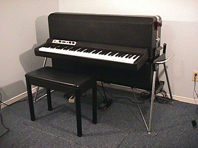 simon 39 s hall of electric pianos. Black Bedroom Furniture Sets. Home Design Ideas